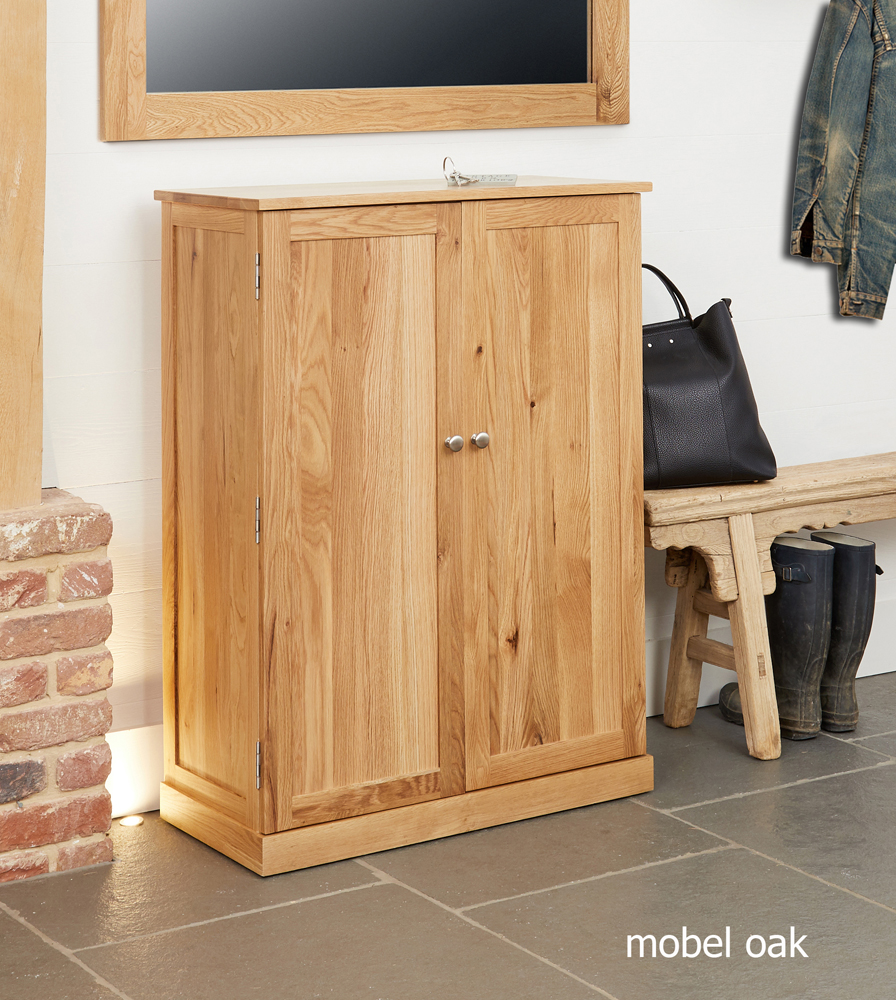 MOBEL - OAK LARGE SHOE CUPBOARD