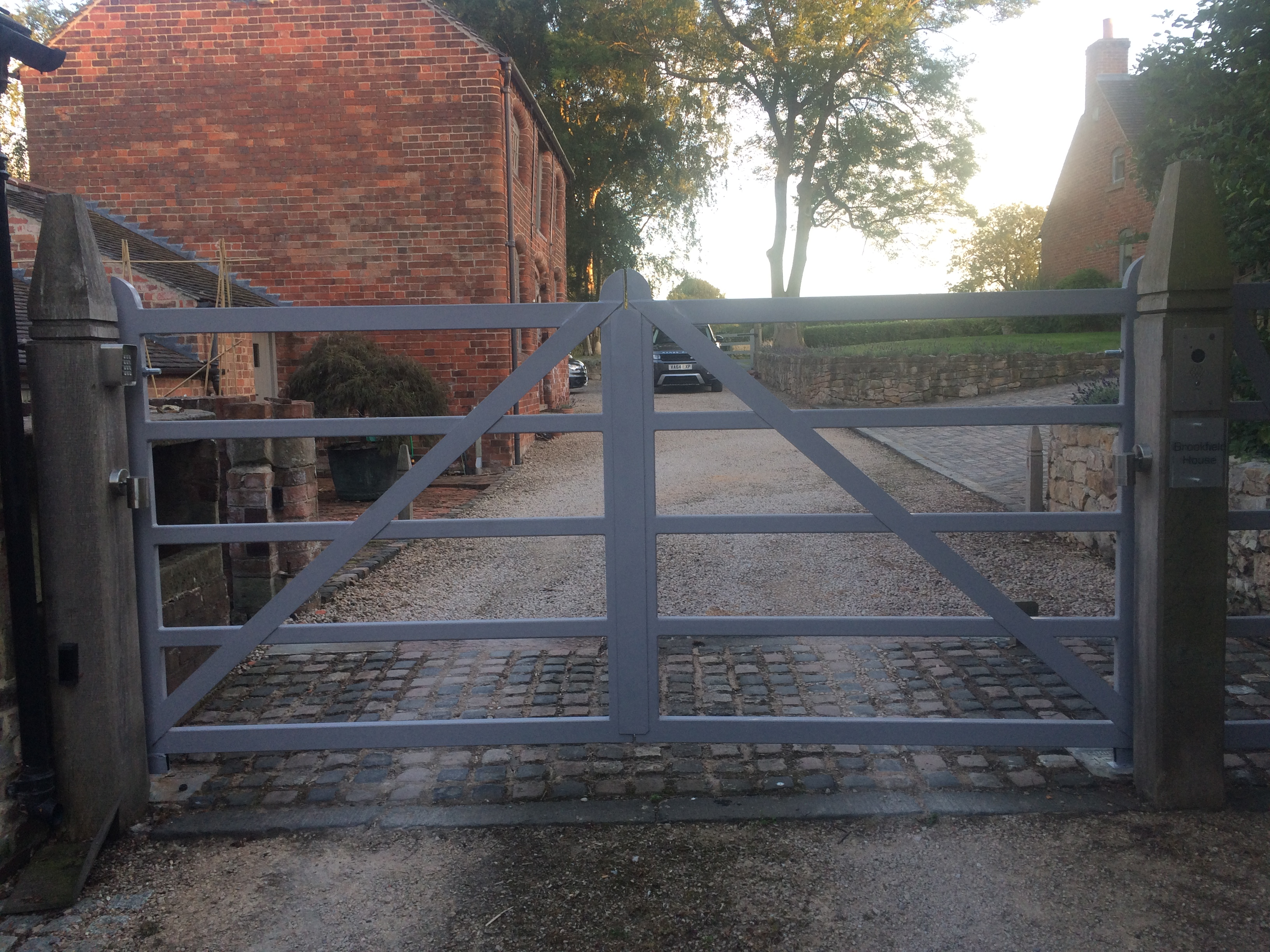 TWIN 1.5M FIVE BAR GATES