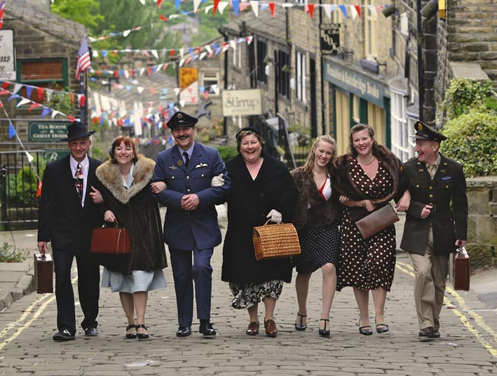 people in vintage costume at Haworth 1940's weekend