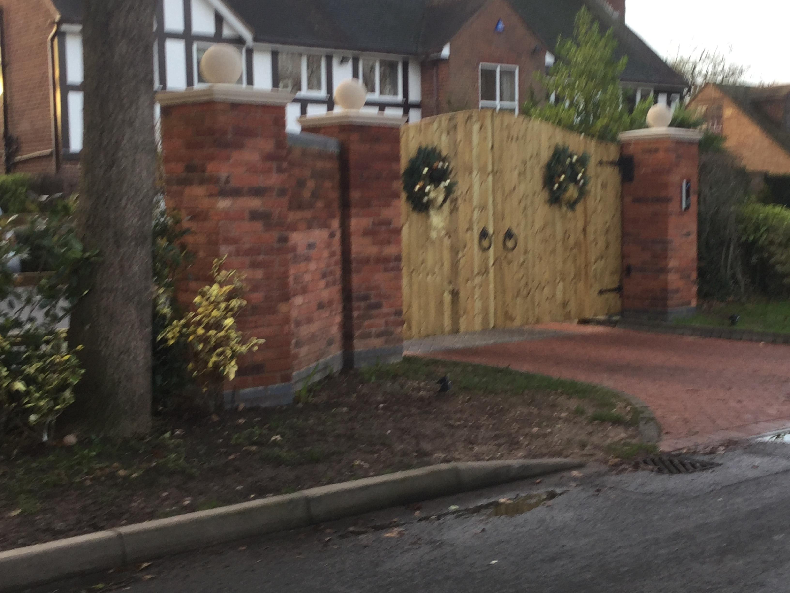gibidi automation with steel framed wooden gates