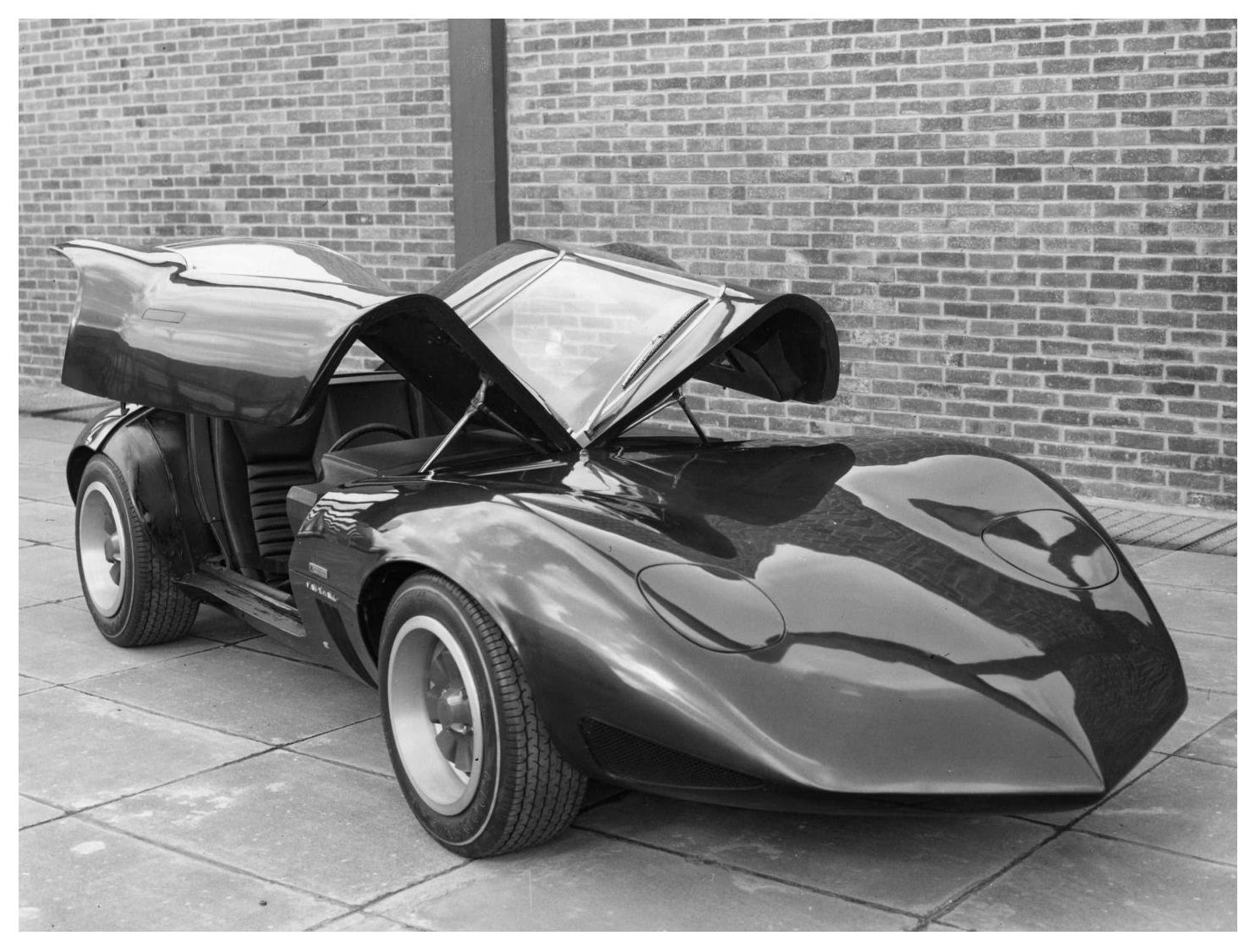 Vauxhall XVR Concept (1966) – Old Concept Cars