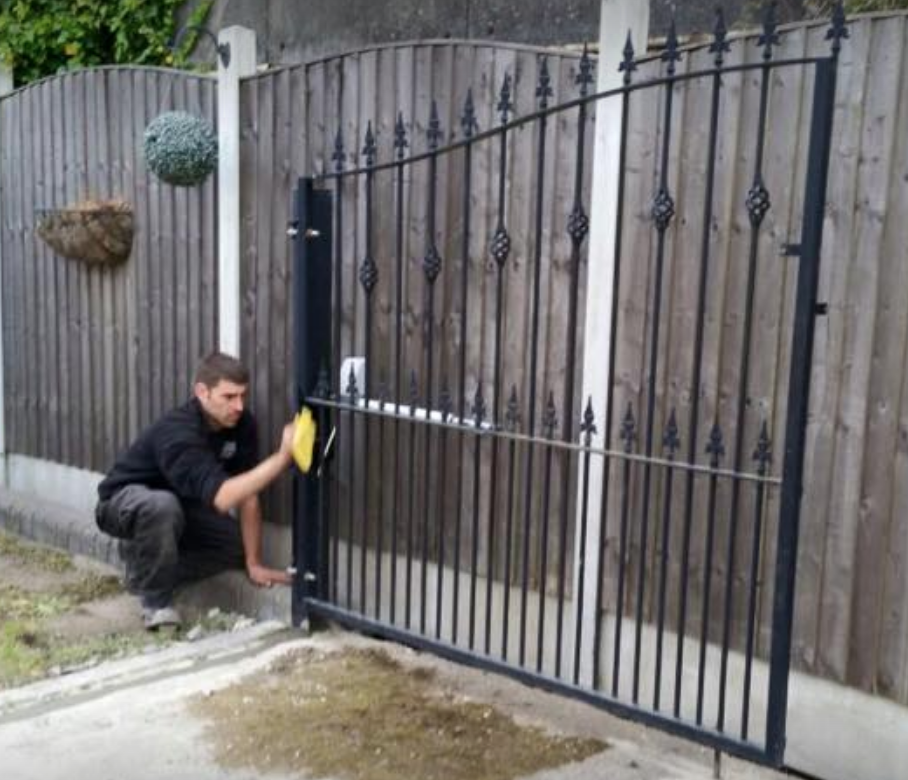 ouble set of gates installed in Buckhurst Hill Essex