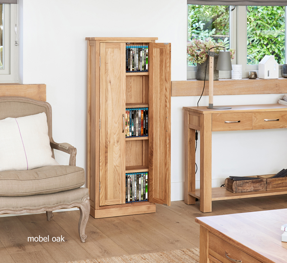 MOBEL - OAK DVD STORAGE CUPBOARD