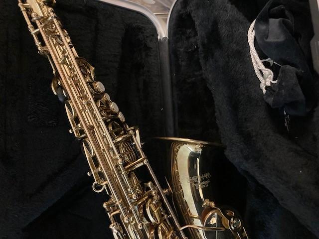 W1 alto sax 3jpg