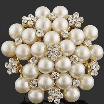 Large gold pearl brooches - pearl and daisy brooch 48 mm