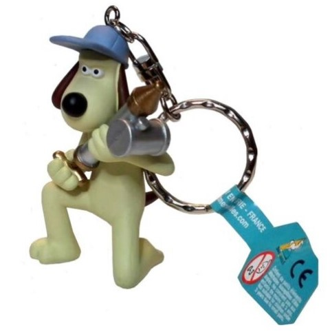 Wallace & Gromit - GROMIT WITH ANTI PESTO GUN KEYCHAIN - Novelty Motorcyclist Figure Keyring