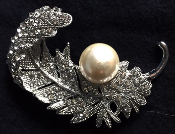 Large silver pearl brooches - feather brooch with pearl 55 mm