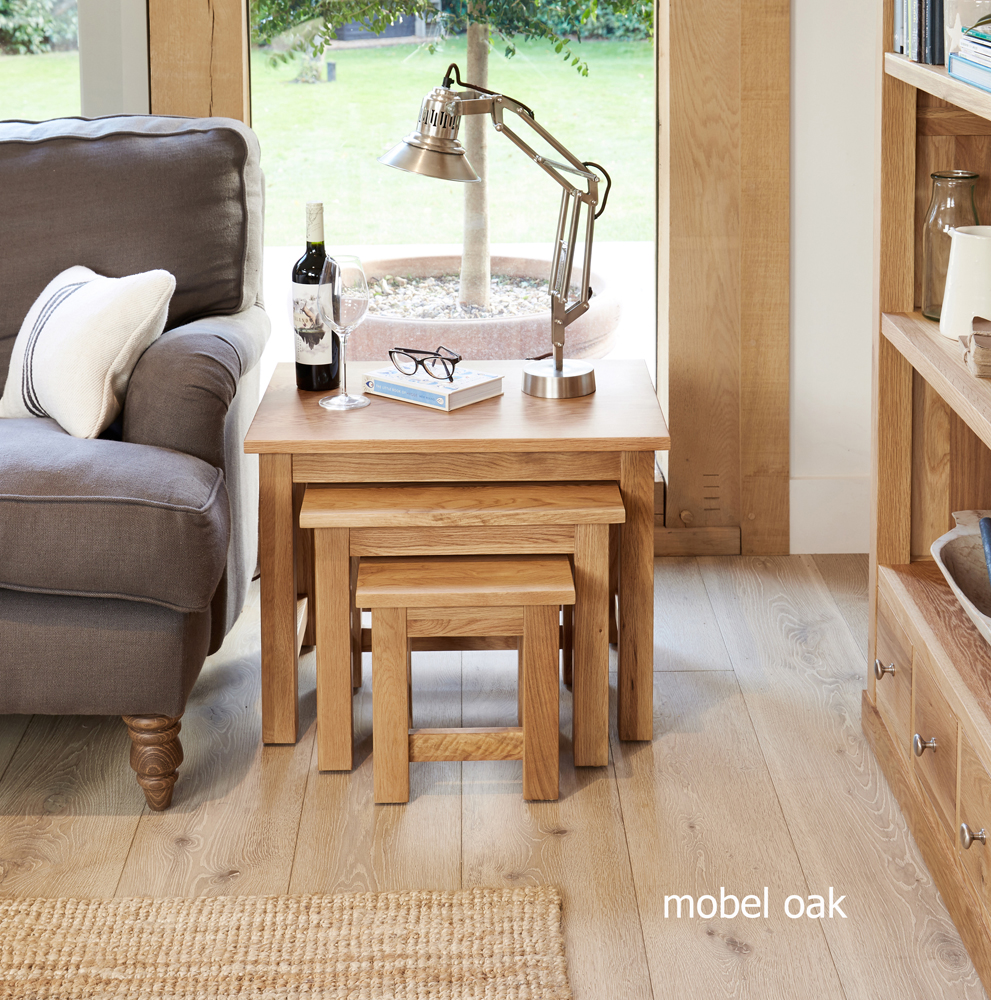 MOBEL - OAK NEST OF TABLES