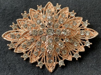 Vintage style diamond shaped rose gold brooch 65 x 50 mm