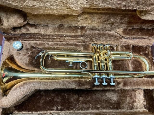 B6 - Trumpet elkhart 1jpg