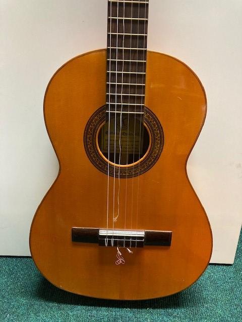 CG4-guitarres 1jpg
