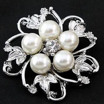 Small pearl brooch -leaf and pearl silver brooch 35 mm