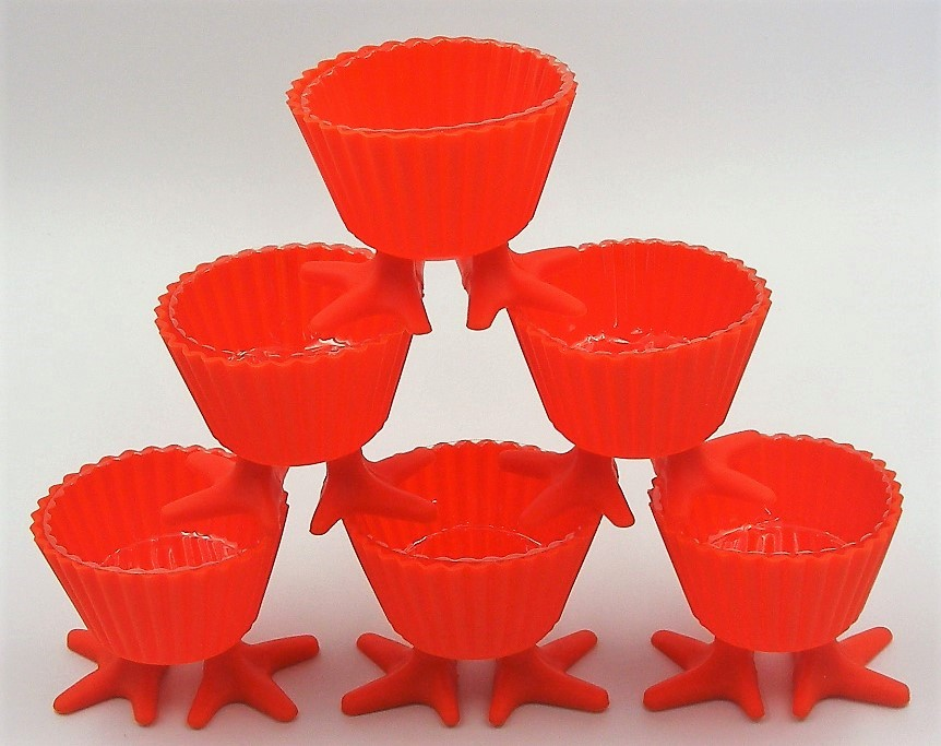 Six funky silicone cupcake moulds RED