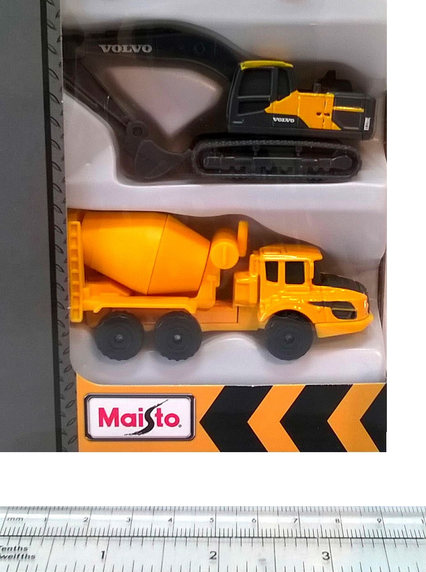 "VOLVO CONSTRUCTION 5 VEHICLE PACK - 3"" Die-Cast Playset - Maisto"