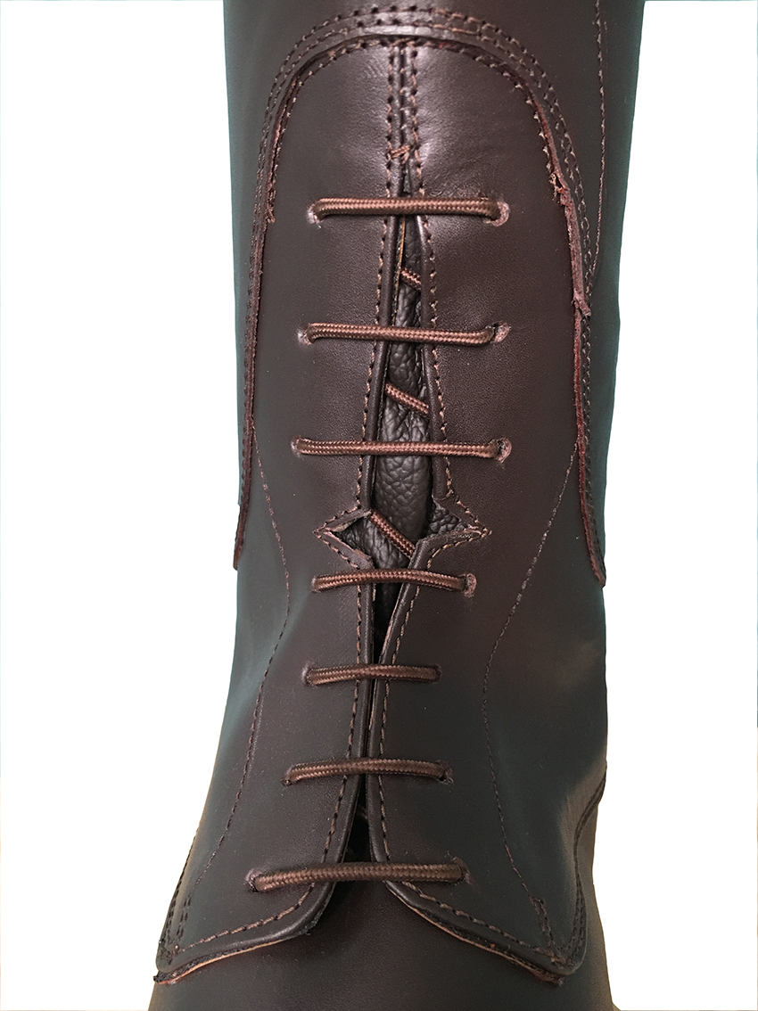 The Atia Field Boot - Walnut Brown Regular Fit