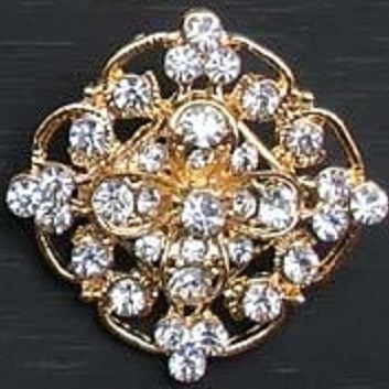 Small gold brooches - not so square gold brooch 28 mm