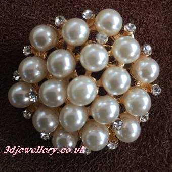 Small pearl brooches - pearl cluster gold coloured brooch 35 mm