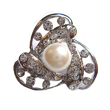 Small pearl brooches - pearl in a spin silver brooch 30 mm